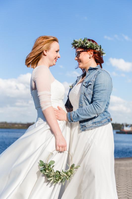 Erste Begegnung des Brautpaares an der Warnow.