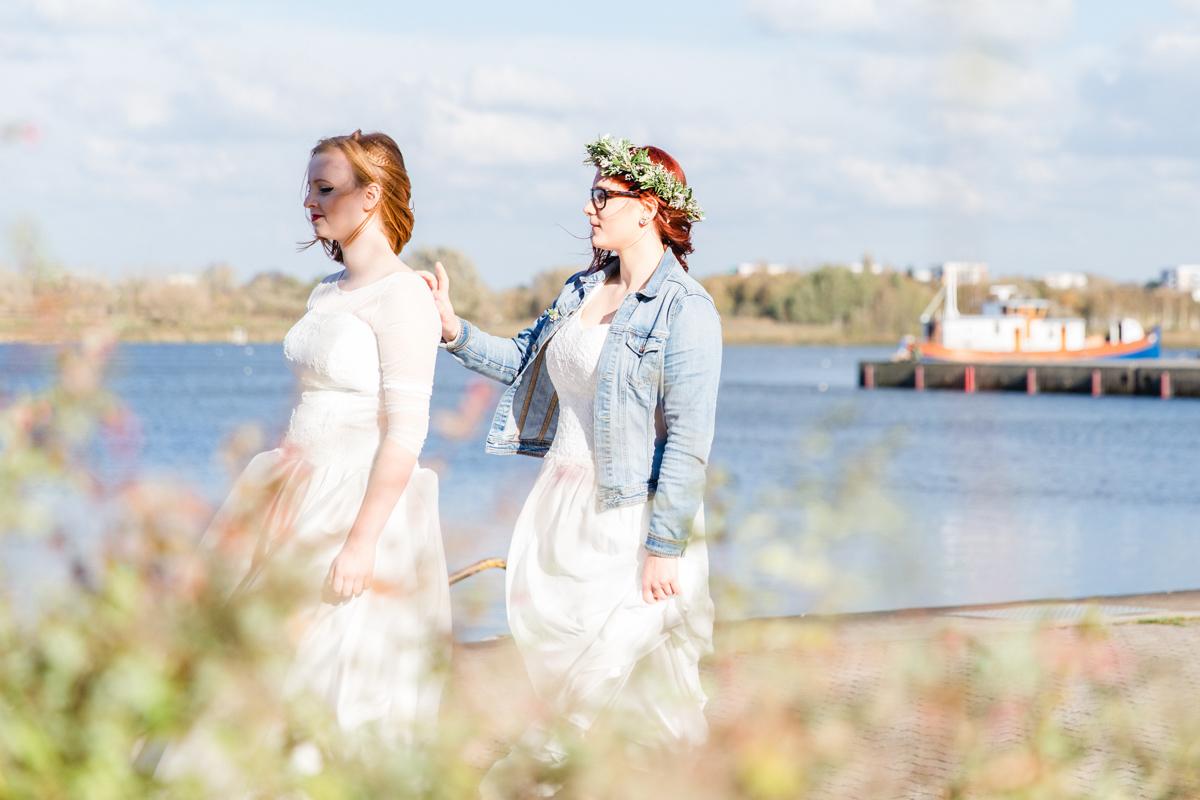 First Look des Brautpaares direkt an der Warnow.
