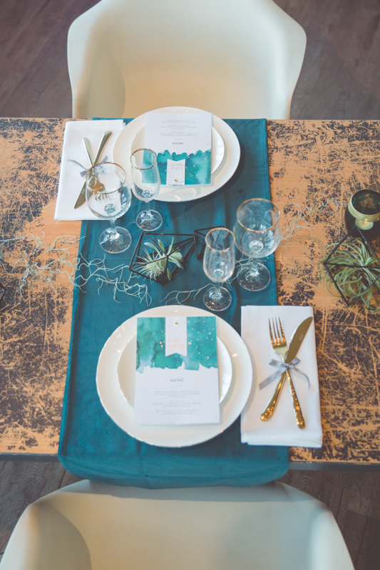 Hochzeitstisch fotografiert von der Hochzeitsfotografin Rostock.