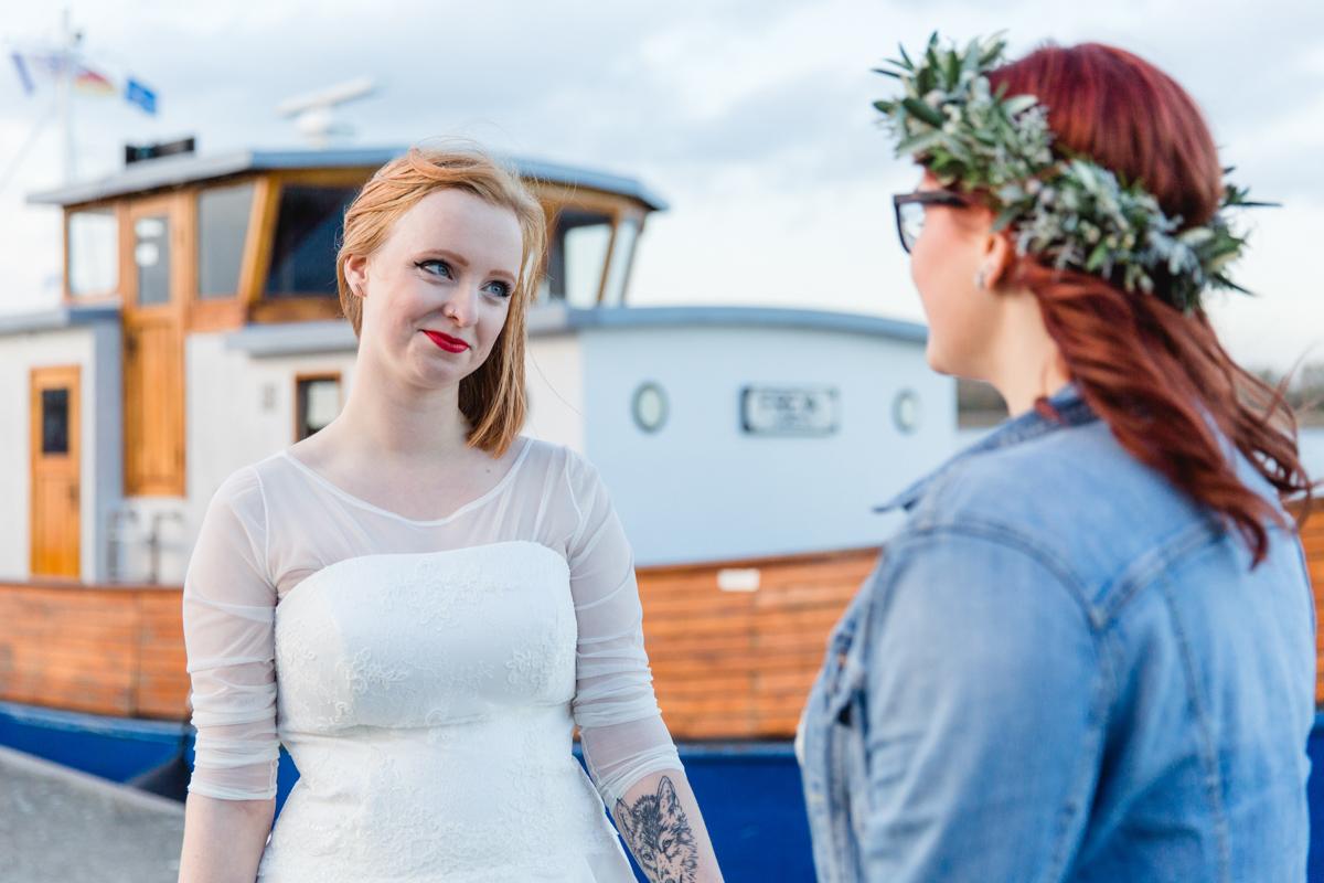 Frau liebt Frau Hochzeitsfoto.