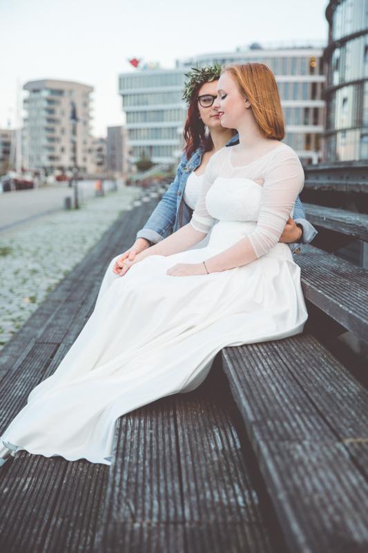 Hochzeitsfotos im Rostocker Stadthafen aufnehmen.