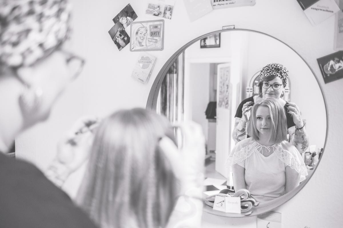 Beim Getting Ready der Braut.