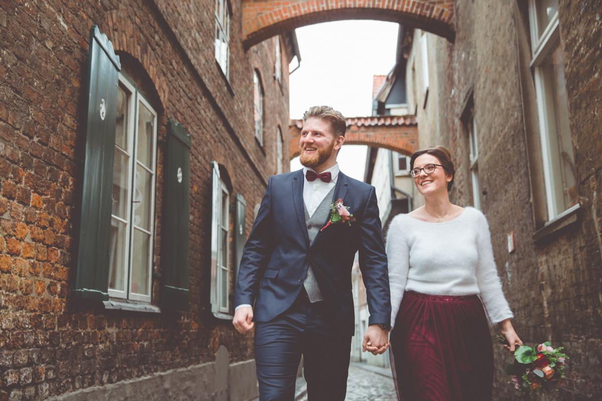 Emotionale Hochzeitsfotos aufgenommen in Lübeck.