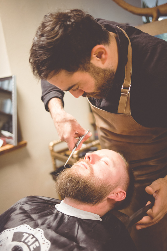 Bräutigam beim Barbershop in Warnemünde.