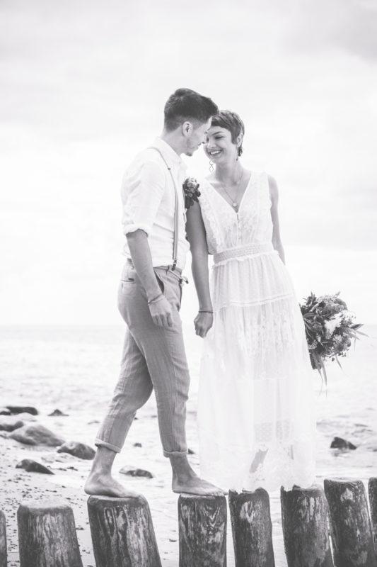 Brautpaar auf den Buhnen.
