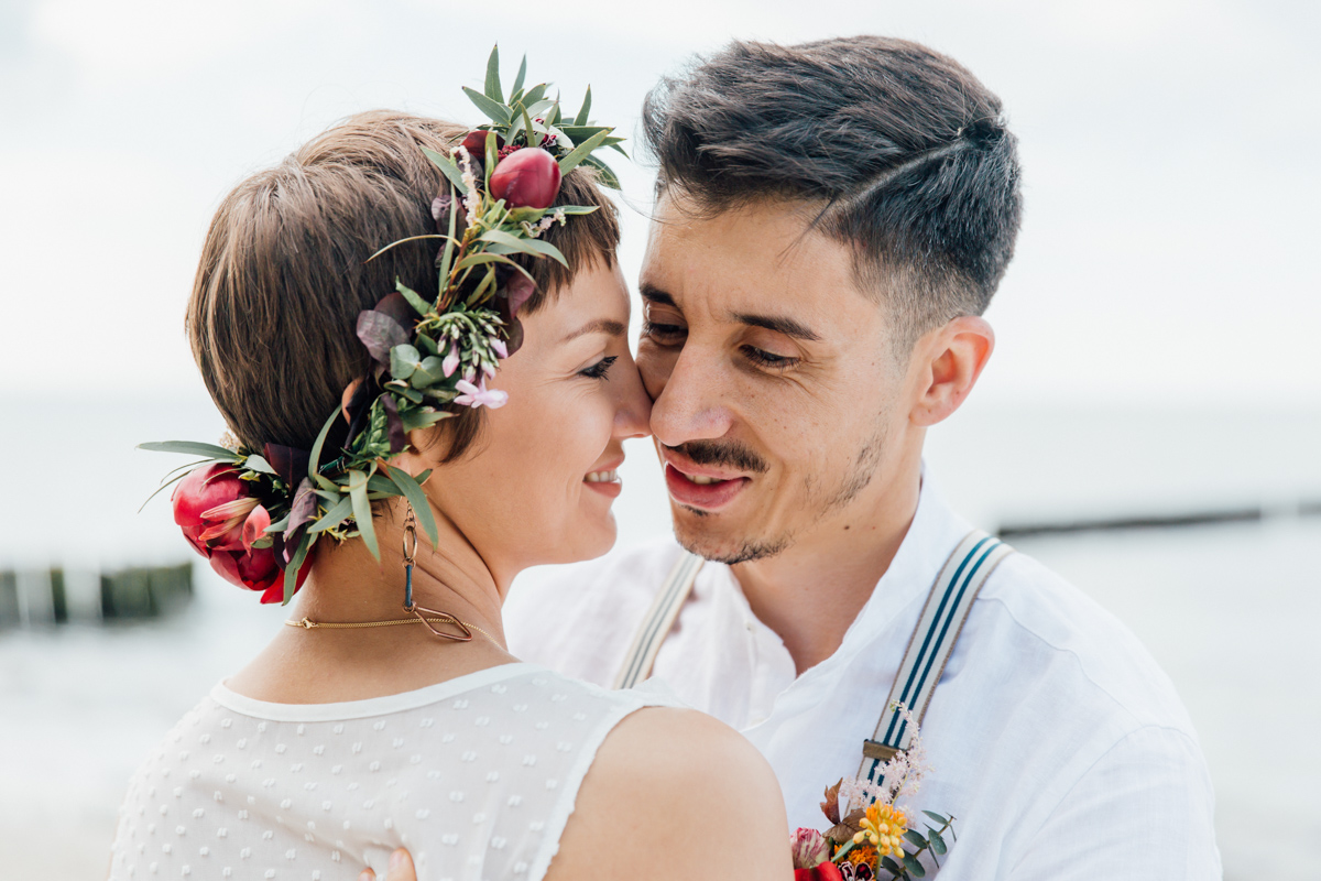 Braut mit Haarkranz.