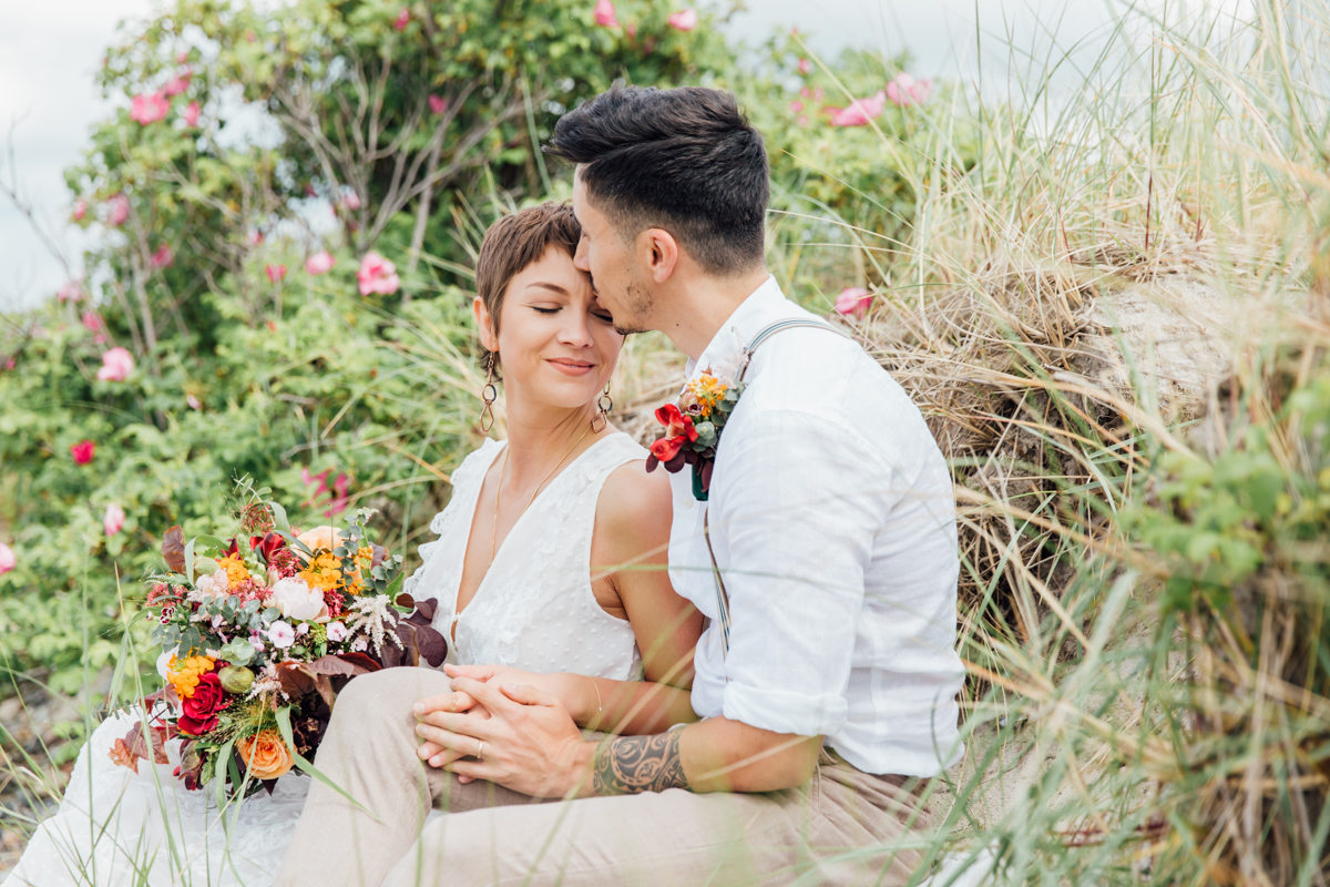 Hochzeitsfotos aufgenommen in den Dünen.