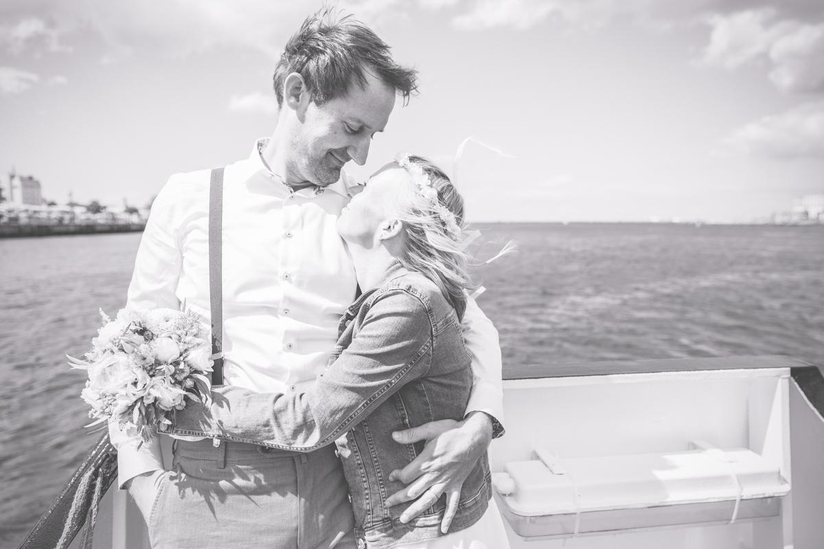 Brautpaar fotografiert von der Hochzeitsfotografin Rostock.