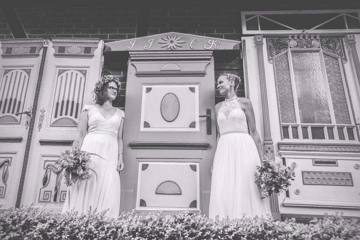 Fotos einer lesbischen Hochzeit an der Ostseeküste.